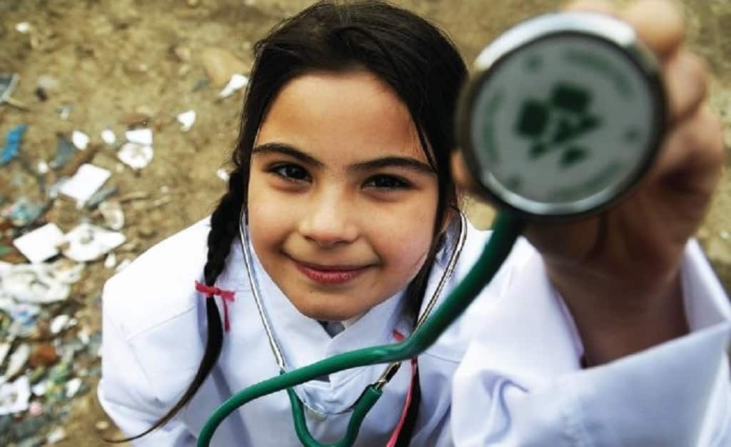 Breaking barriers – Roma students can become doctors!